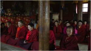 Wenchen nuns in their shrine room