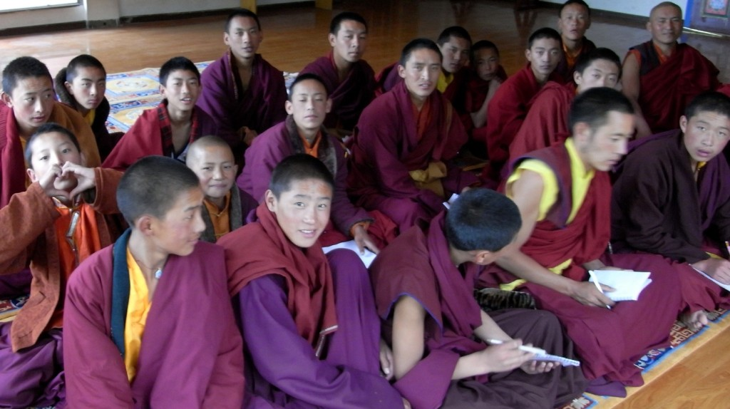Apprentice monks studying in the shedra complex