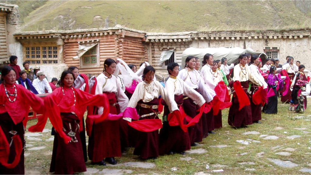 dancing women v.2