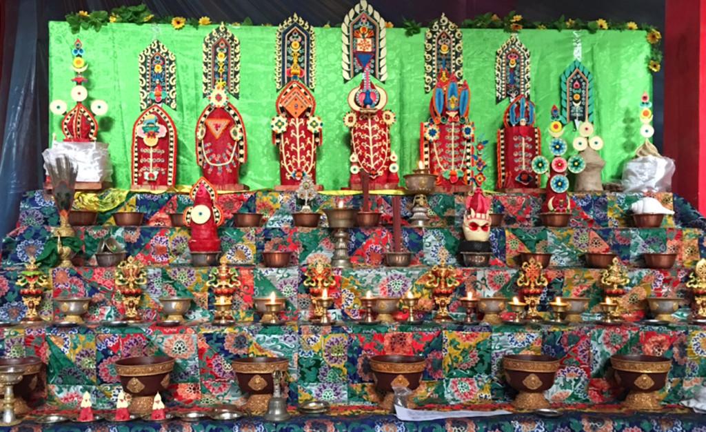 tormas on shrine, IMG_1139, v2a resized